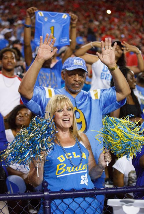UCLA-fans-santa-monica
